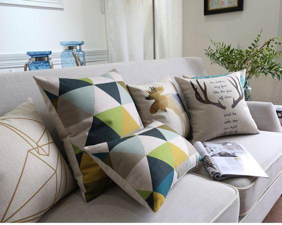 """<img src=""""poduszki dekoracyjne.jpg"""" alt=""""poduszki dekoracyjne trójkąty styl loftowyt""""/>"""