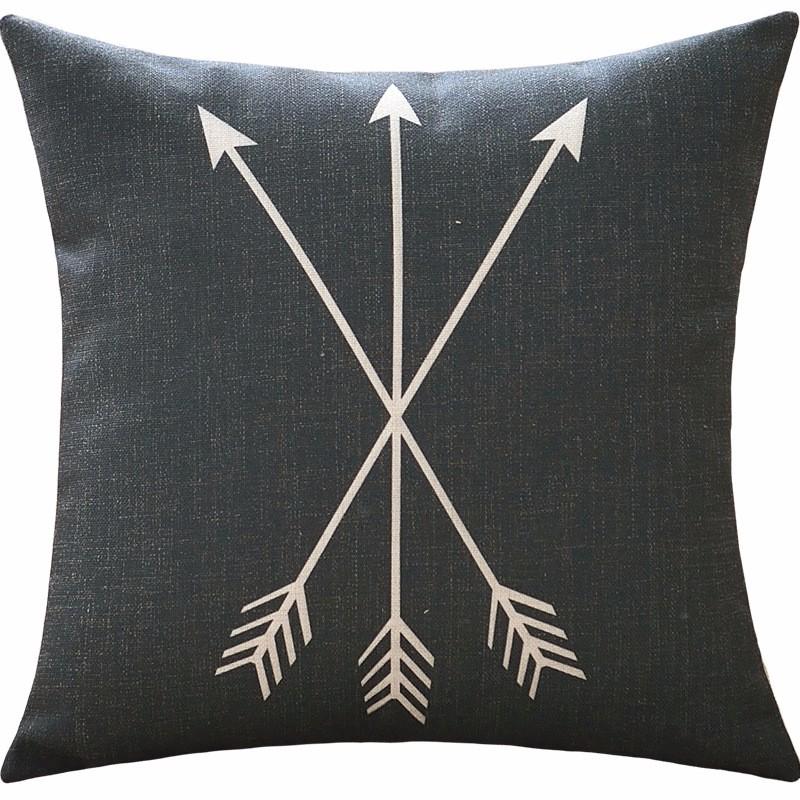 poduszki-dekoracyjne-allegro-loftowe-strzaly-czarne
