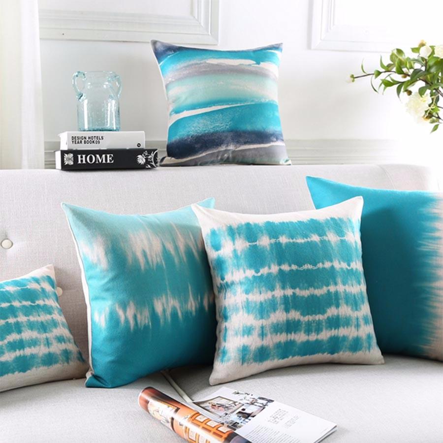 """<img src=""""poduszki-ozdobne-dekoracyjne-turkusowe-allegro.jpg"""" alt=""""poduszki dekoracyjne turkusowe batik""""/>"""
