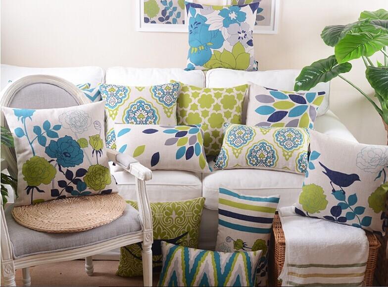 """<img src=""""poduszki dekoracyjne.jpg"""" alt=""""poduszki dekoracyjne zielone niebieskie """"/>"""